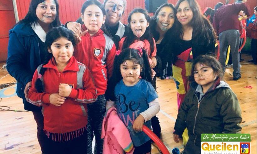 Niños de Queilen celebraron en grande su Día.